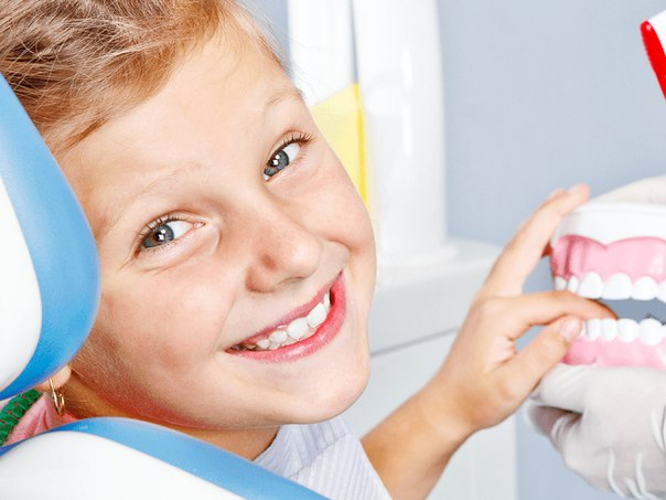 Надо ли лечить молочные зубы?