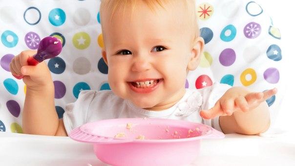 Приучаем малыша к новой еде