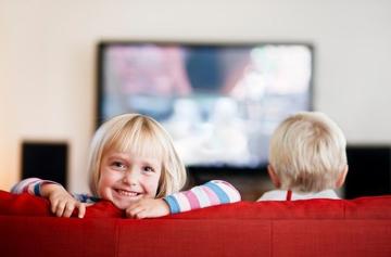 Как правильно смотреть мультфильмы с детьми