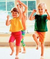 Игры-стишки с движениями для детей 2-6 лет